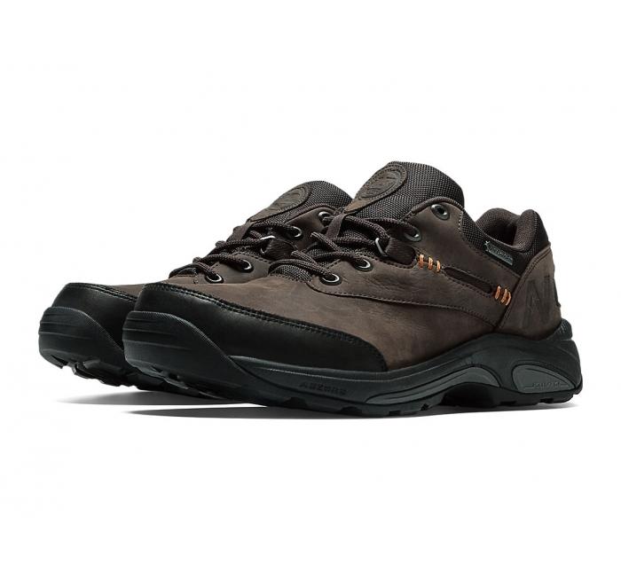 New Balance V Men S Slip Resistant Shoe
